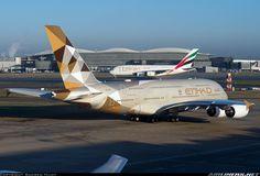 Etihad & Emirates Airbus A380-861 aircraft picture @LHR