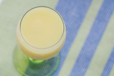 Here is a great DIY for making your own creamy limoncello. Would make wonderful holiday gifts and Christmas will be here before you know it! There are also recipes on this site for using the limoncello. Creamy Limoncello Recipe, Making Limoncello, Homemade Limoncello, Dessert Drinks, Yummy Drinks, Yummy Food, Desserts, Gourmet Recipes, Cooking Recipes