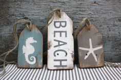-Beach House Wood Sign Beach Tag Set Beach Decor Beach Wood Sign Pool House Decor Nautical Wood Sign Rustic Distressed Starfish Seahorse Strand Haus Holz Tags Holz Strand Zeichen Strand Dekor Strand See it Beach Wood Signs, Rustic Wood Signs, Wooden Signs, Reclaimed Wood Art, Distressed Wood, Pool House Decor, Pool Signs, Wood Christmas Tree, Wood Tags