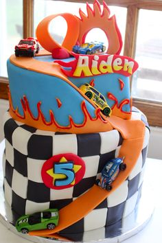 Hot Wheels cake More