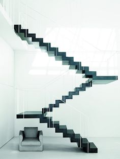 The latest tips and news on modern design stairs are on house of anaïs. On house of anaïs you will find everything you need on modern design stairs. Interior Stairs, Interior Architecture, Interior Design, Minimalist Architecture, Stairs Architecture, Design Interiors, Vitrine Design, Stairs To Heaven, Black Stairs