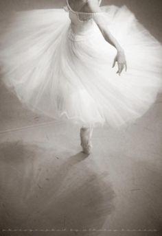 random beauty | forballerinas: Photo by Nikolay Krusser.