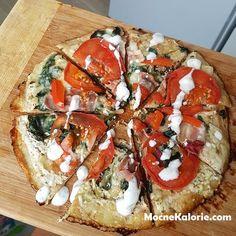 Biała fit pizza z patelni Diet Recipes, Cake Recipes, Cooking Recipes, Healthy Recipes, Healthy Meals, Healthy Food, Cooking Videos, Calories, Bruschetta