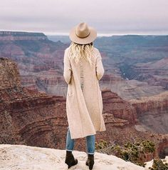 The Adventurous @caitlinclairexo In The Margaux Cardigan #wanderlust #360cashmere