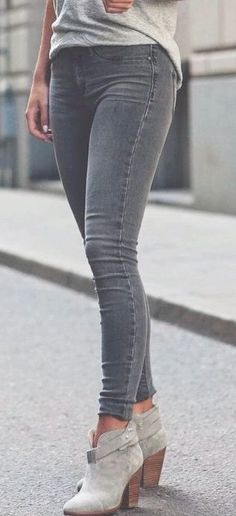 Trendy Jeans Outfits For Summer - fashion and ladies Mode Outfits, Casual Outfits, Fashion Outfits, Womens Fashion, Fashion Trends, Jean Outfits, Jeans Fashion, Casual Boots, Casual Wear