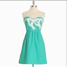 Judith March Limited Edition Teal Bow Dress NWOT. Never worn! Fully lined, zip back, gathered waist, pockets, detailed bow, strapless. Limited Edition Ovarian Cancer dress. All proceeds went to the foundation! Judith March Dresses