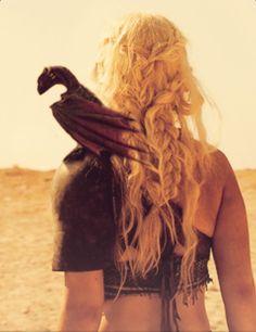 Daenerys hair.. she is my hero!