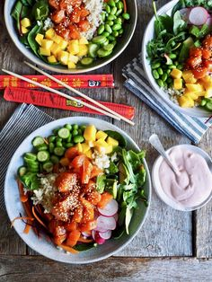 Poke bowl med laks Poke Bowl, Edamame, Tex Mex, Cobb Salad, Protein, Food And Drink, Cooking Recipes, Lunch, Snacks