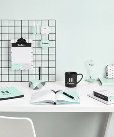 Be inspired to pause, slow down and live more mindfully with the beautiful Pause Collection by kikki.K. Discover Swedish designed stationery to help you rest, reflect and improve your life.