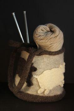 Bolso o monedero de fieltro de lana hervida por suzannerichie