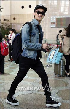 [PRESS][01/04] GOT7 JB @ Gimpo Airport departure Japan ©STARNEWS http://star.mt.co.kr