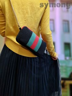 Crochet Clutch, Crochet Shoes, Crochet Purses, Knit Crochet, Tapestry Bag, Macrame Bag, Knitted Bags, Crochet Designs, Sewing