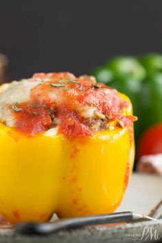 These delicious Instant Pot Stuffed Bell Peppers make a perfectly balanced meal of beef, rice, and vegetables. Using a pressure cooking to speed the process, this recipe can be on your table in 45 minutes. Beef Recipes, Cooking Recipes, Pepper Recipes, Onion Recipes, Summer Vegetable Recipes, Vegetarian Fajitas, Chicken And Sausage Jambalaya, Pressure Cooker Recipes, Pressure Cooking