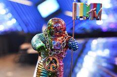 MTV Is Relaunching 'TRL' Making VMA 'Moonman' Gender Neutral