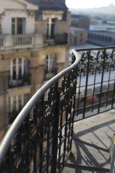 balcony paris haussmann - All About Balcony Parisienne Chic, French Apartment, Parisian Apartment, Paris 3, Paris Chic, Paris Apartments, Paris Travel, Travel Wuotes, David