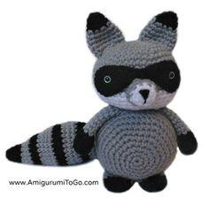 Adorable crochet amigurumi racoon. Bandit the Amigurumi Raccoon - Media - Crochet Me
