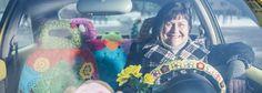 Järvenpääläinen Suvi-Maria Knuutinen pitää pyöreistä autoista ja aurinkoisista väreistä. Hän sisusti keltaisen Volkswagen Beetlensä värikkäillä pitseillä. Volkswagen, Beetle, June Bug, Beetles