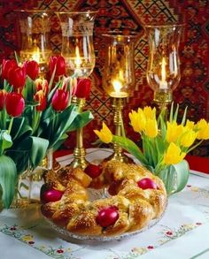 Tsoureki,Sweet Easter Bread, truly rich and delicious yeast bread, which is traditionally baked for Greek Easter when it's normally decorated with one or more dyed red eggs. One can of course make tsoureki all year round and enjoy it for breakfast or as a Greek Easter Bread, Orthodox Easter, Greek Sweets, Easter Table Decorations, Greek Dishes, Easter Traditions, Easter Celebration, Easter Holidays, Easter Dinner