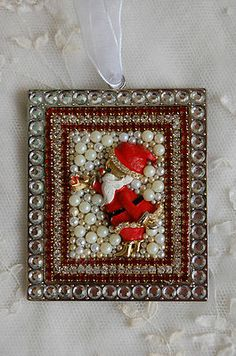 Vintage Jewelry Framed Christmas Ornament ♥ Bejeweled Santa with Gift ♥ Charming  (18)