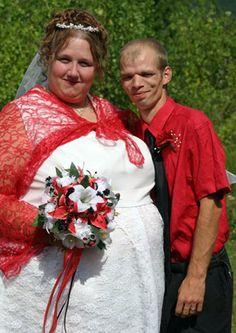 The World's Most Unusual Weddings Ugly Wedding Dress, Tacky Wedding, Worst Wedding Dress, Wedding Fail, Wedding Humor, Wedding Dresses, Crazy Wedding, Wedding Shot, Wedding Stuff
