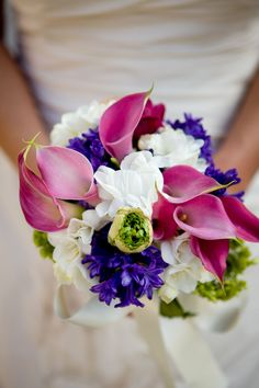 Wedding Arrangement from Tesoro Flowers - Jen Phillips photography