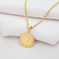 On Çeyrek Altınlı Halat Zincirli Kolye Gold Jhumka Earrings, Gold Necklace, Jewelry Collection, Gold Jewelry, Fashion Jewelry, Jewels, Accessories, Jewerly, Dress