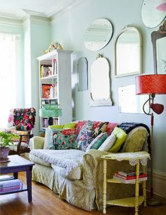 granny_chic.jpg (494×640 Colourful prints and glam mirrors. I'm calling this boho glam.