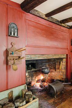 Unraveling a 1750 Cape - Restoration & Design for the Vintage House Primitive Fireplace, Primitive Homes, Primitive Kitchen, Country Primitive, Primitive Antiques, Primitive Decor, Primitive Bedroom, Farmhouse End Tables, Country Farmhouse Decor
