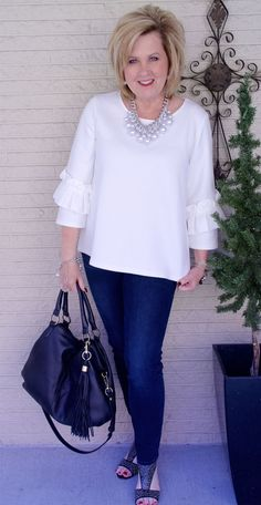 The Best Fashion Ideas For Women Over 60 - Fashion Trends 60 Fashion, Older Women Fashion, Fashion For Women Over 40, Women's Fashion Dresses, Plus Size Fashion, Fashion Trends, Fashion Ideas, Ladies Fashion, Fashion Bloggers