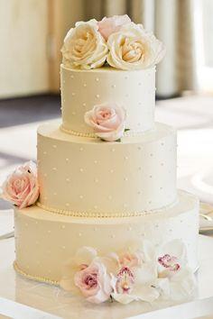 A Four Seasons Hotel Wedding in Blush and Cream | Flora Nova Blog