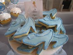 I love it when my clients send me beautiful pictures of my treats!  Last weekend I created treats for Wonderful mommy, Jennie Volkert, who c...