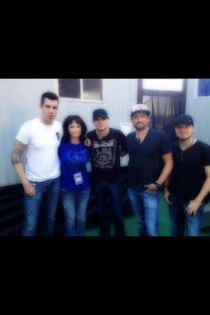 Tyler, me, Dave, Dean and Joe from Theory of a Deadman. From our meet and greet in Louisville Kentucky. Tyler's joking about where I got my Canucks phone cover as the picture is being taken.