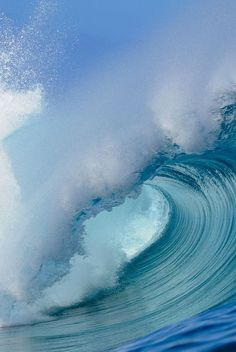 Share with me the Love of the Ocean Beach Surf Catch a Wave Barrel Big waves Belle Image Nature, Image Nature Fleurs, Water Waves, Sea Waves, Sea And Ocean, Ocean Beach, Beautiful Ocean, Amazing Nature, No Wave