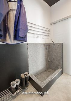 Lammi-Kivitalo Maja - Kuraeteinen | Asuntomessut Mudroom Laundry Room, Laundry Storage, Terrace Design, Nordic Home, Ikea, Sweet Home, Bathtub, Indoor, Bathroom
