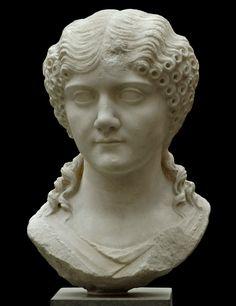 Woman, Roman bust (marble), 1st century CE, (Ny Carlsberg Glyptotek, Copenhagen).