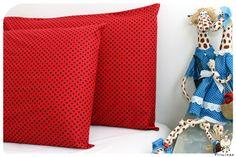 Todo o charme dos poás em fronhas para travesseiros! www.primitas.com.br