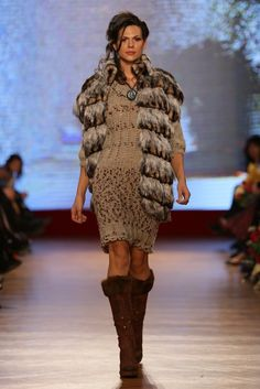Hand knitted sweater Hand Knitted Sweaters, Hand Knitting, Collection, Dresses, Fashion, Tricot, Vestidos, Moda, Fashion Styles
