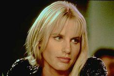 Daryl Hannah is an American film actress. She is best known for her performances in the films Blade Runner, Splash, Roxanne, Wall Street, Steel Magnolias and Kill Bill. Daryl Hannah, Prettiest Celebrities, Film Blade Runner, Image Film, People Magazine, Beauty Queens, Hairstyles With Bangs, Celebrity Crush, American Actress