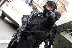 Belgrade, #Serbia - A detail during preparations for the execution of MAPLE 2017 tactical exercise. #serbianspecialforces #specijalnejedinice #specialforces #tactical #operator #coltm4 #reddot #tacticalgear #gendarmerie #zandarmerija #police #policija