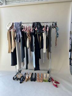 Student Fashion, School Fashion, Runway Fashion, Fashion Outfits, Future Clothes, Future Fashion, Girl Model, Fashion Studio, Clothing Company