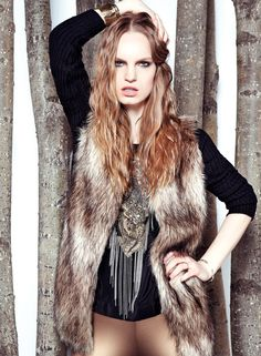 BASEMENT! Chaleco pelo! How cool? Cool Sweaters, Fur Coat, Stylish, Basement, Jackets, Outfits, Fashion, Sweater Vests, Down Jackets