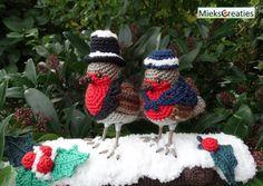 Robins in the snow - Amigurumipatterns.net