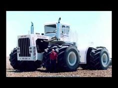 It's Big Bud, a hardworking Montana farm tractor AKA The World's Largest Tractor, and accepting contenders to that title. Big Tractors, Farmall Tractors, John Deere Tractors, Antique Tractors, Vintage Tractors, Old Farm Equipment, Heavy Equipment, Triumph Motorcycles, Kawasaki Motorcycles