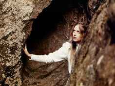 Picknick am Valentinstag - Peter Weir Peter Weir, Picnic At Hanging Rock, Gothic Garden, Light Film, Rock Of Ages, Moving Pictures, Film Stills, Filmmaking, Art Photography
