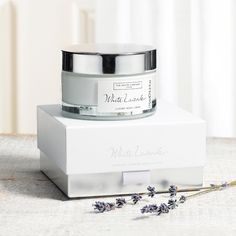 The White Company's beautiful pure White Lavender fragrance - blended with bright basil and Sicilian lemon, and warmed with vetiver to create the ultimate relaxing scent DIVINE!