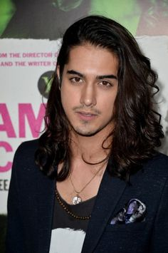 Avan Jogia (9-2-1992). Avan was born in Vancouver, British Columbia as Avan Tudor Jogia. He is an actor, singer and producer, known for Victorious, Twisted, Rags and Finding Hope Now.