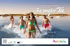 """Campanya turística d'Andalusia de l'any 2014. Mitjançant el missatge """"tu mejor tú"""" aquest cartell  vol donar a les persones el missatge de que aquesta comunitat fa que el turista tregui la millor versió d'ella mateixa envoltat de la bellesa de la  terra."""
