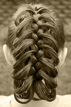 Princess Piggies: Friday's Film: The Rib Cage Braid; This is the basis for the updo rib cage hairstyle