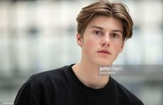 29 October Berlin: The singer Ruel stands in the Estrel Hotel at an interview appointment of the dpa at a railing. The from Australia is on tour in Europe for the first time. Photo: Lisa Ducret/dpa (Photo by Lisa Ducret/picture alliance via Getty Images) Beautiful Boys, Pretty Boys, Love My Boys, Boy Hairstyles, Haircuts For Men, Hot Boys, Handsome Boys, To My Future Husband, Cute Guys