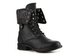 I got these badass combat boots yesterday for my 11th Doctor cosplay.